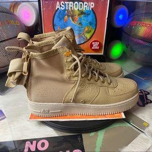 🆕 Nike SF Air Force 1 Mid Mushroom - Size: Wmn 10